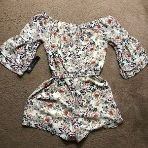 As U Wish Pants - AS U WISH FLORAL ROMPER 3/4 BELL SLEEVE TIE SZ L